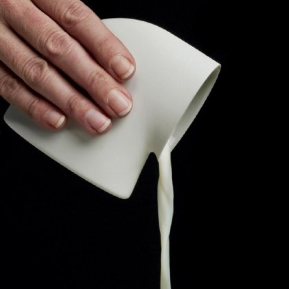porcelain tableware oil can by aldo bakker, Thomas Eyck.