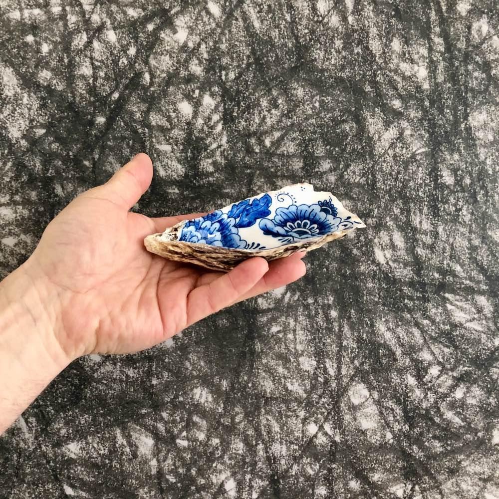 Handpainted oyster Zeeuwsblauw