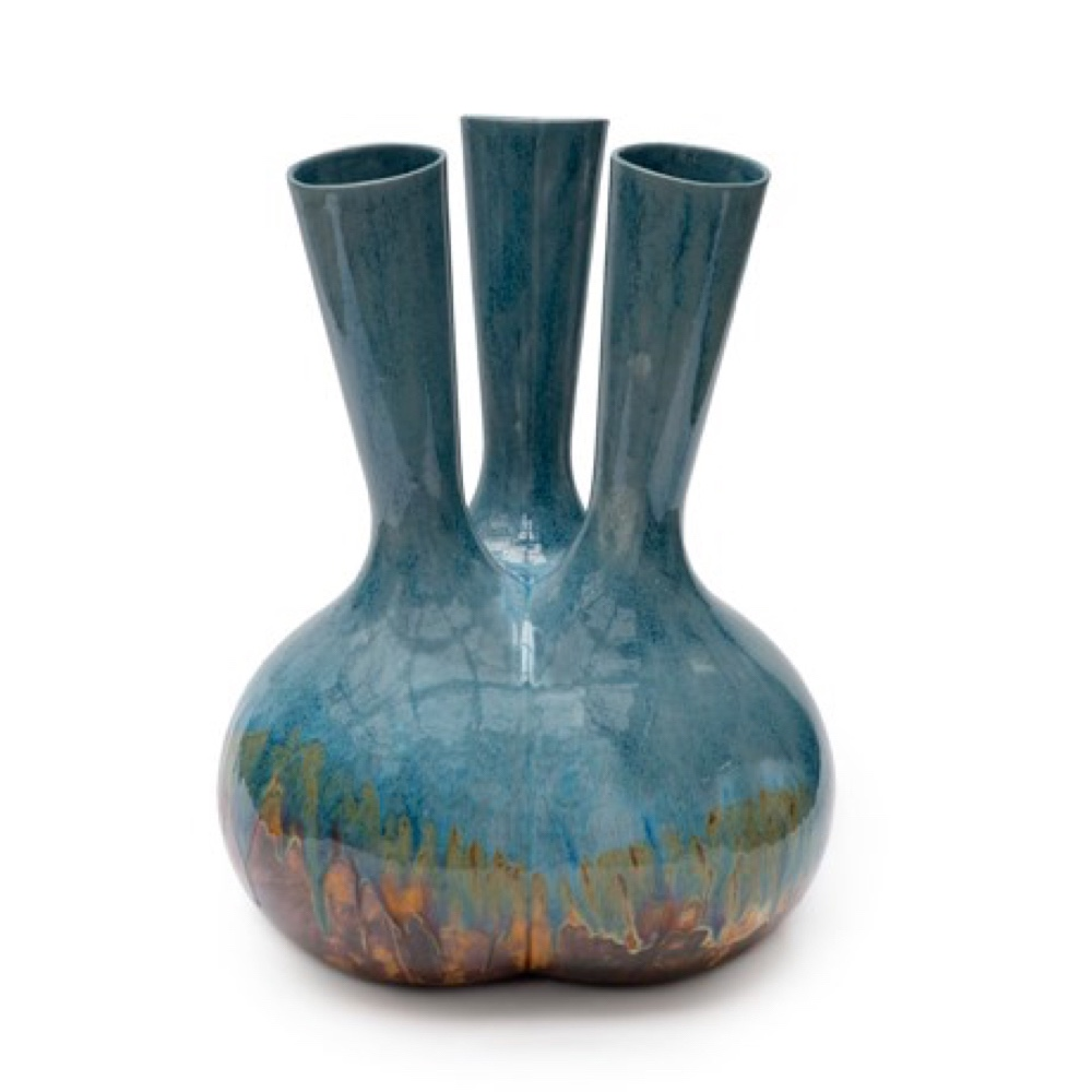 MaMa vase by Roderick Vos Ugly glazed, Cor Unum.