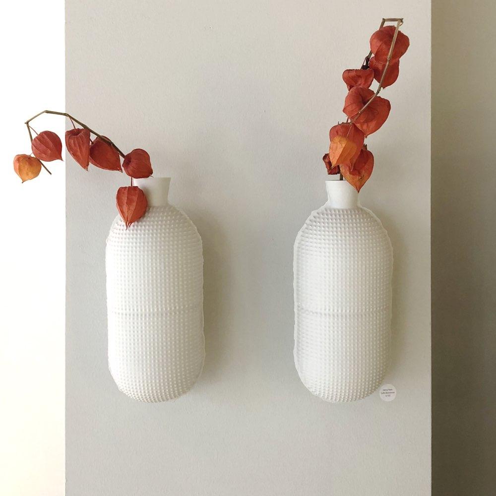 Hanging vase by Sofie Boonman, Cor Unum.
