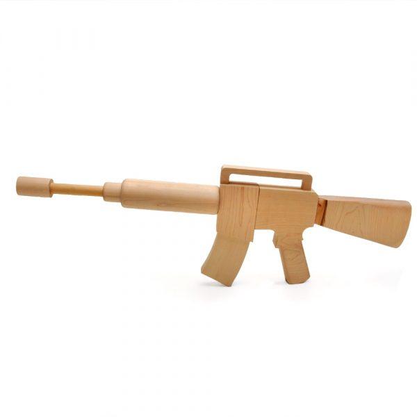 ratata wooden gun by Tomm Velthuis
